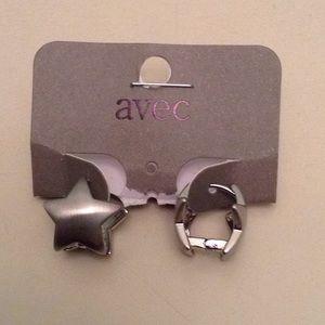 Star buggies earrings NWT